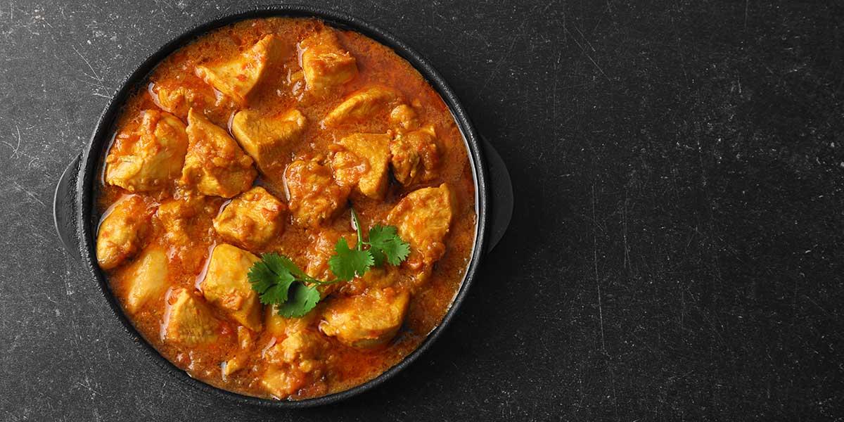 comida feliz - plato con curry