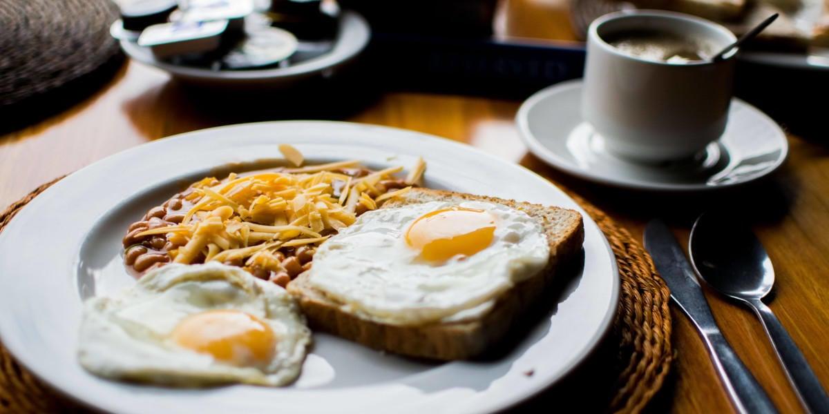 Los huevos, las judías y el pan son fuente de folato