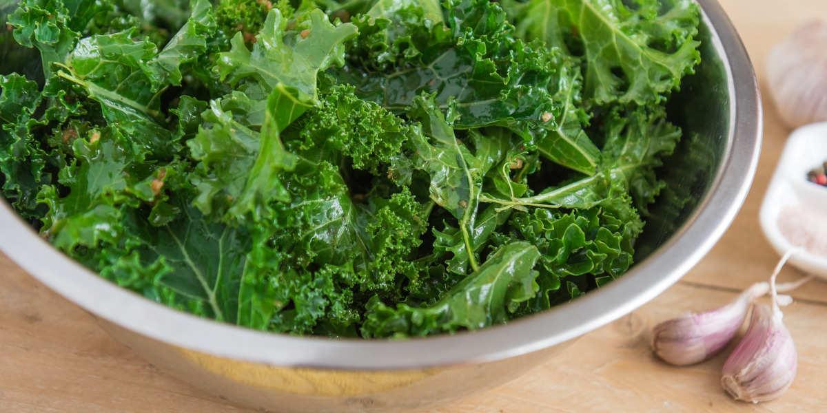 Col rizada rica en vitamina B9 en su forma de folato natural